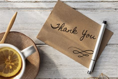 What to Write in a Thank You Card - 4 Tips for Proper