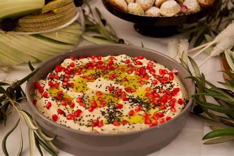 9 Most Delicious Ways To Eat Your Homemade Hummus - Rouba