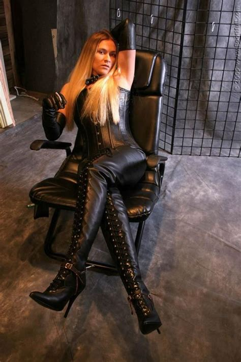 Leather domme   Leather smoking ladies   Pinterest