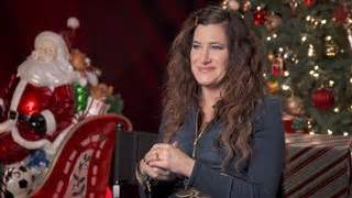 Kathryn Hahn - A Bad Moms Christmas Interview (2017