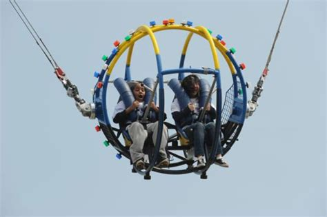 Video of a Slingshot Ride Malfunctioning Is Terrifying