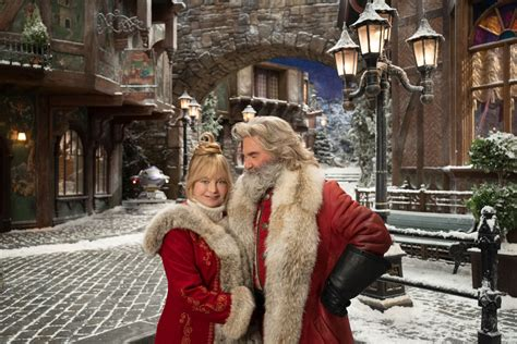 Netflix officially announces The Christmas Chronicles 2