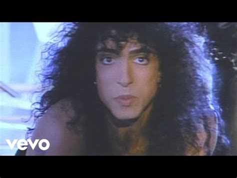 """Hit Rewind to 1989: """"Let's Put the X In Sex"""" by KISS – Hit"""